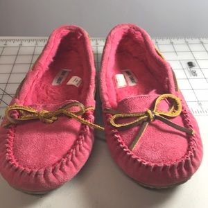 Minnetonka Pink Suede Girl's Moccasins